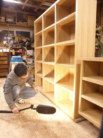 ナラ材の特注本棚ー7-015.jpg