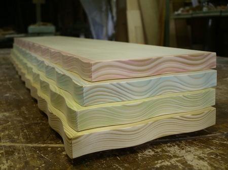 001、木目着色の棚板.jpg