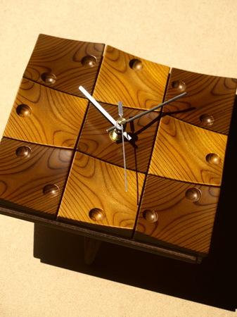 002、木の時計「頂」.jpg