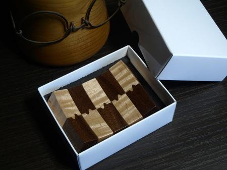 002、木の箸置き.jpg