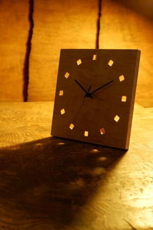 002、木の置き時計「こまど」.jpg