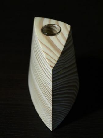003、木の一輪挿しTriad、グリーン.jpg