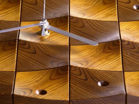 003、木の壁掛け時計「頂」1−3.jpg