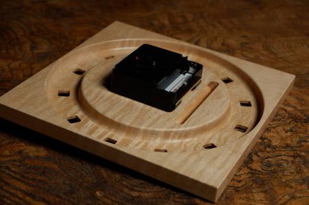 003、木の置き時計「こまど」.jpg