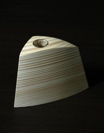 004、木の一輪挿しTriad、グリーン.jpg