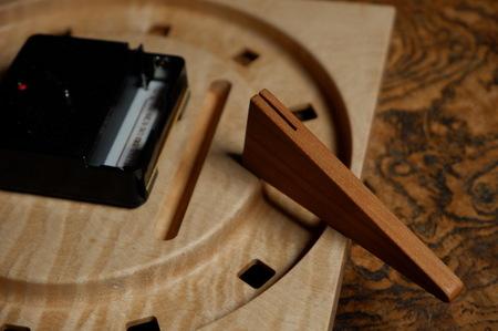 004、木の置き時計「こまど」.jpg