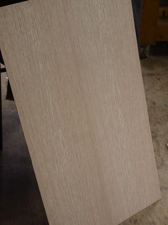 005、ブック貼りのナラ突き板.jpg