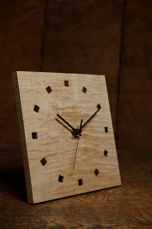 006−1、シンプルな木の時計.jpg