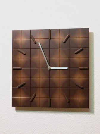 006、ウォールナットの寄木時計.jpg