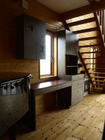 013、ラワンベニアの家具.jpg