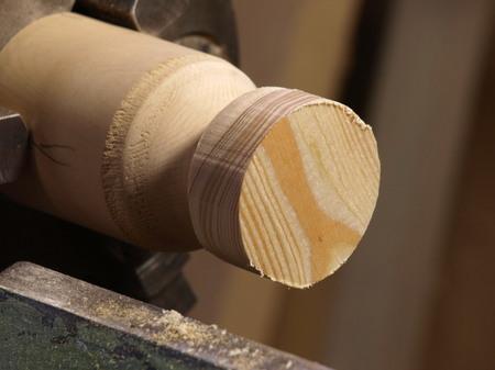 016、木のマグネットの旋盤の工程ー1.jpg