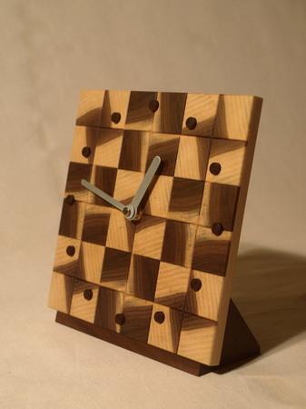 029、木口寄木の時計「つむぎ」ウォールナットの風車-2.jpg