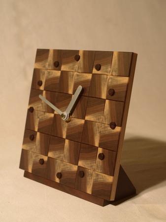 033、木口寄木の時計「つむぎ」ウォールナットの風車-5.jpg