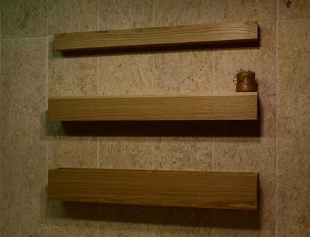 001、ナラ突き板の吊り棚ー1.jpg