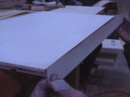006、厚単板を貼る.jpg