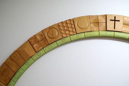 008、北星学園120周年記念の木のレリーフ「環」.jpg