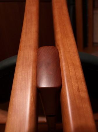 008、貫を挟み込む足の構造.jpg