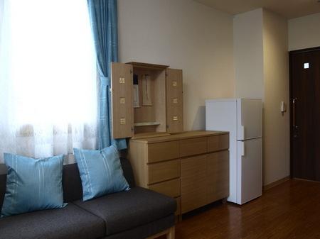 019、ホーム居室のお仏壇.jpg