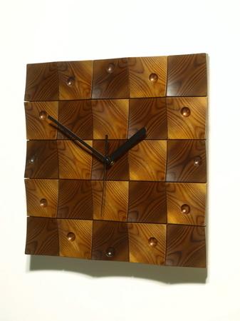 022、木のレリーフ時計「頂」.jpg
