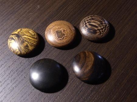 022、黒檀のマグネット−2.jpg