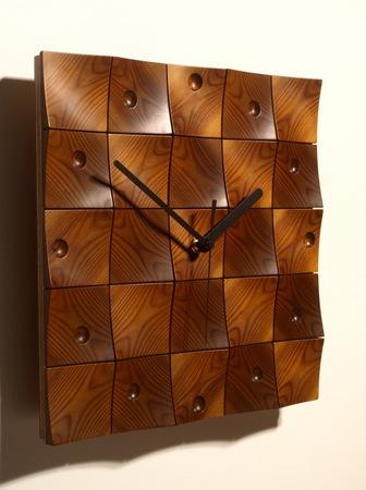 023、木のレリーフ時計「頂」.jpg