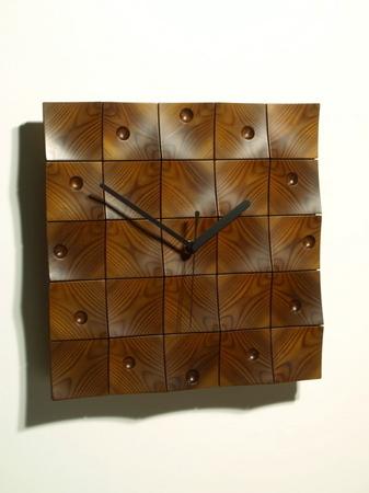 024、木のレリーフ時計「頂」.jpg